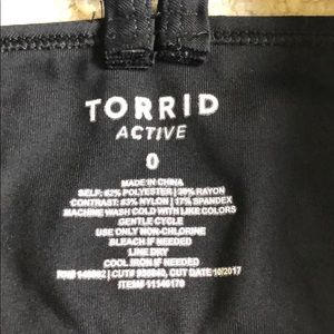 torrid Tops - Torrid Active women's top with bra size 0 in EUC